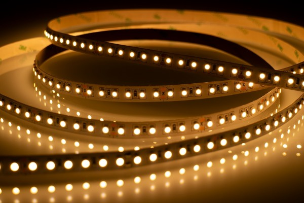 LED-Streifen 14,4W-907lm/m-180LEDs/m warmweiß 3000K